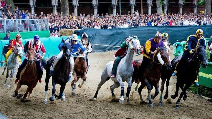 Palio di Ferrara: conosciamo le 8 accoppiate, cavalli, fantini e contrade.